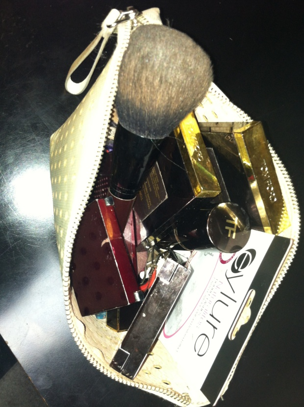 Shirley's Make-up Bag - Image 2