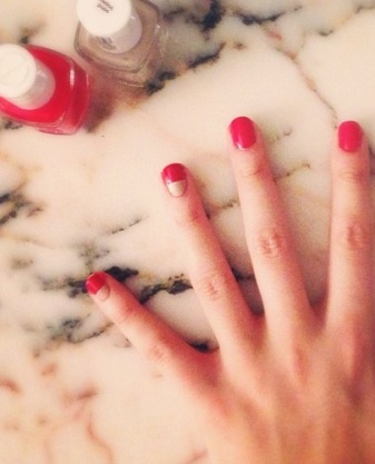 bold red nails