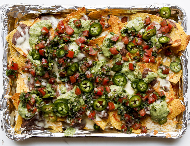 BLACK-BEAN-NACHOS-620x478